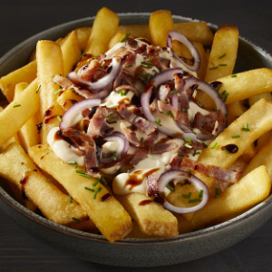Loaded Fries im Carbonara Style
